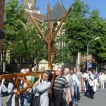 <!--:en-->Carrying the Coesfeld Cross<!--:--><!--:de-->Das Coesfelder Kreuz tragen<!--:--><!--:pt-->Carregando a Cruz de Coesfeld<!--:--><!--:ko-->코스펠드 십자가를 지고<!--:--><!--:id-->Ikut memikul Salib Coesfeld<!--:-->