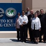 Delegação Visita Centro de Detenção que Realiza Processos de Imigração na Califórnia