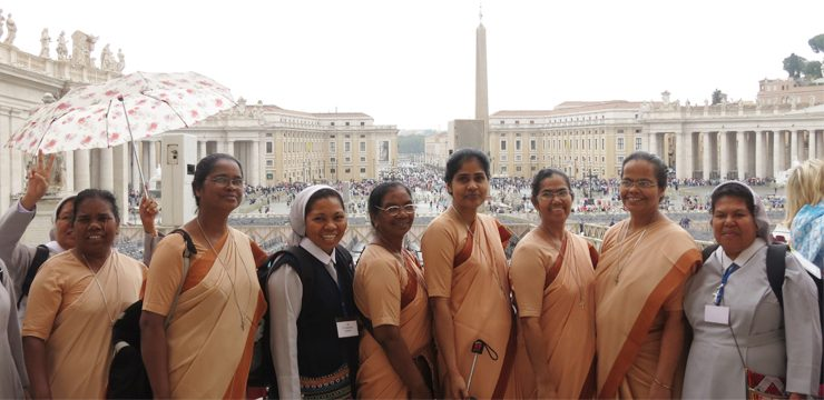 Pilgrim Kongregasi dari India dan Indonesia Berbagi Pengalamans