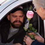 Notre Dame Schools in Passo Fundo Offer Roses to the Local Community